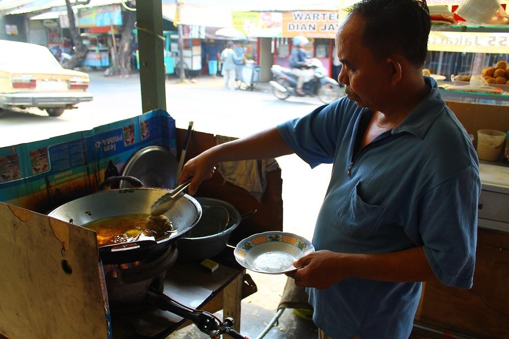 Bapak Penjual Pempek Palembang