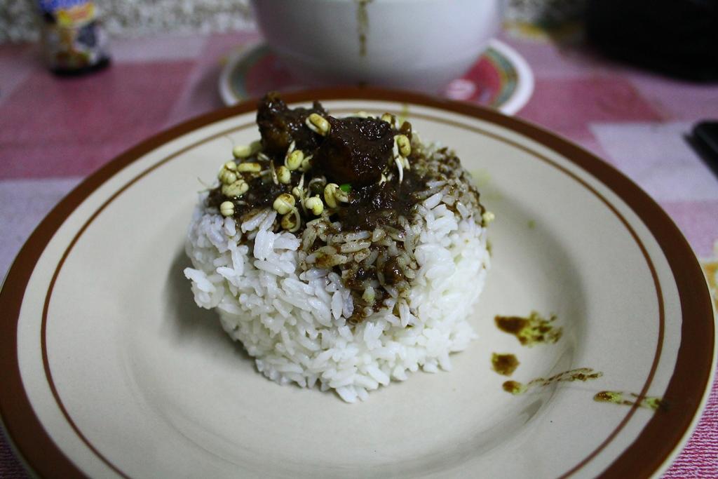 Nasi Rawon siap dimakan