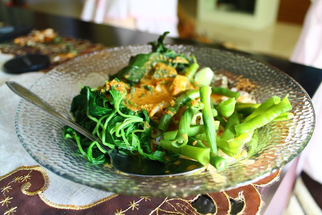 Dan ini pecel sayur saya tanpa nasi