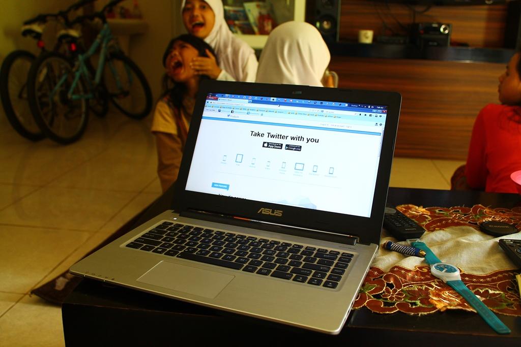 Walaupun Idul Adha, aktifitas akses internet tetep jalan