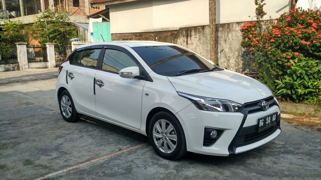 Toyota New Yaris Putih